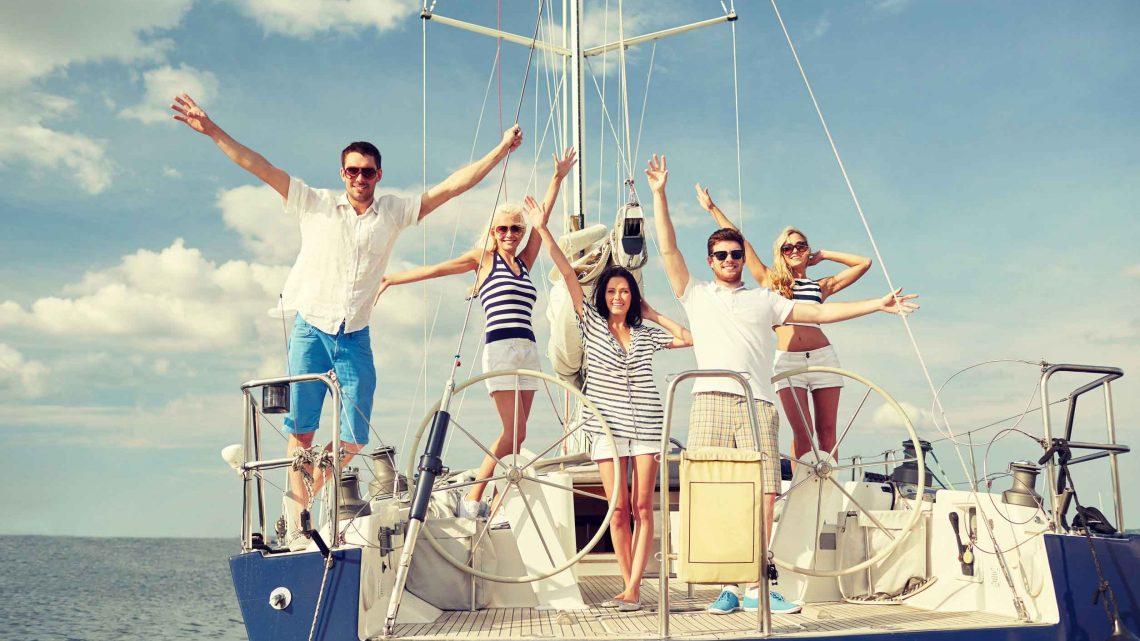 Прогулка на Яхте с друзьями