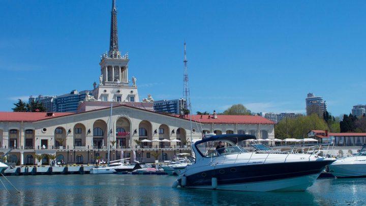 Великолепные яхты в мор-порту Сочи