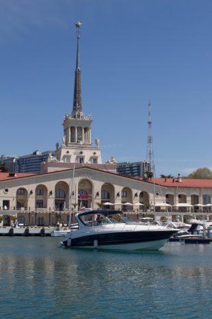 Катера в порту Сочи