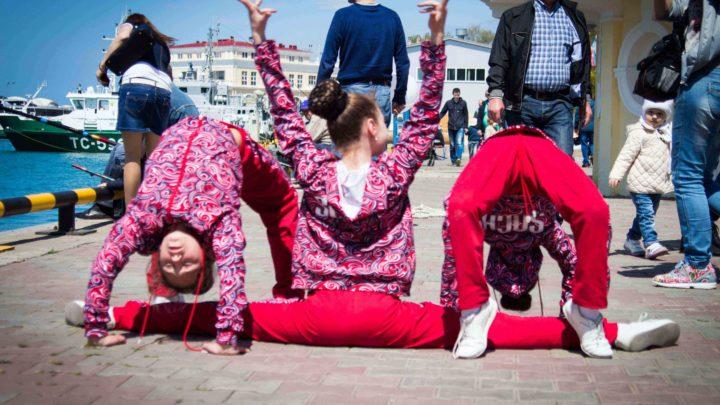 Дети в порту Сочи