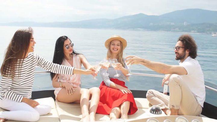Встречи с друзьями на яхте в Сочи